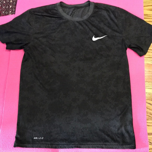 NIKE size M dry-fit shirt